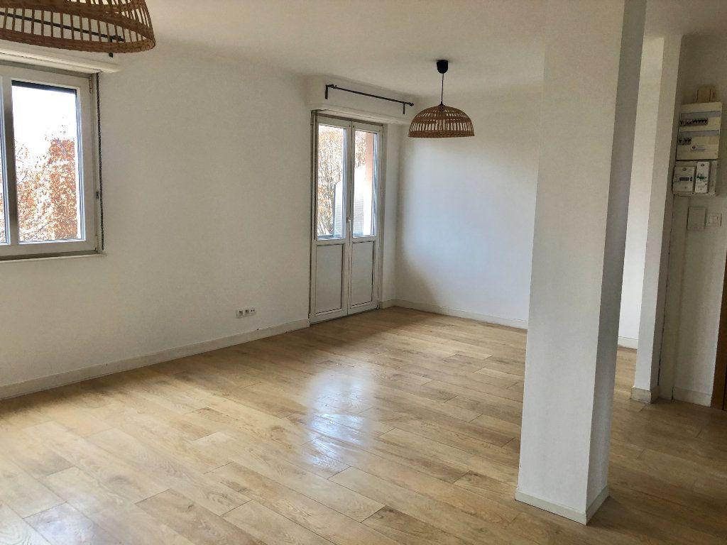 Appartement à louer 3 71.19m2 à Lingolsheim vignette-4