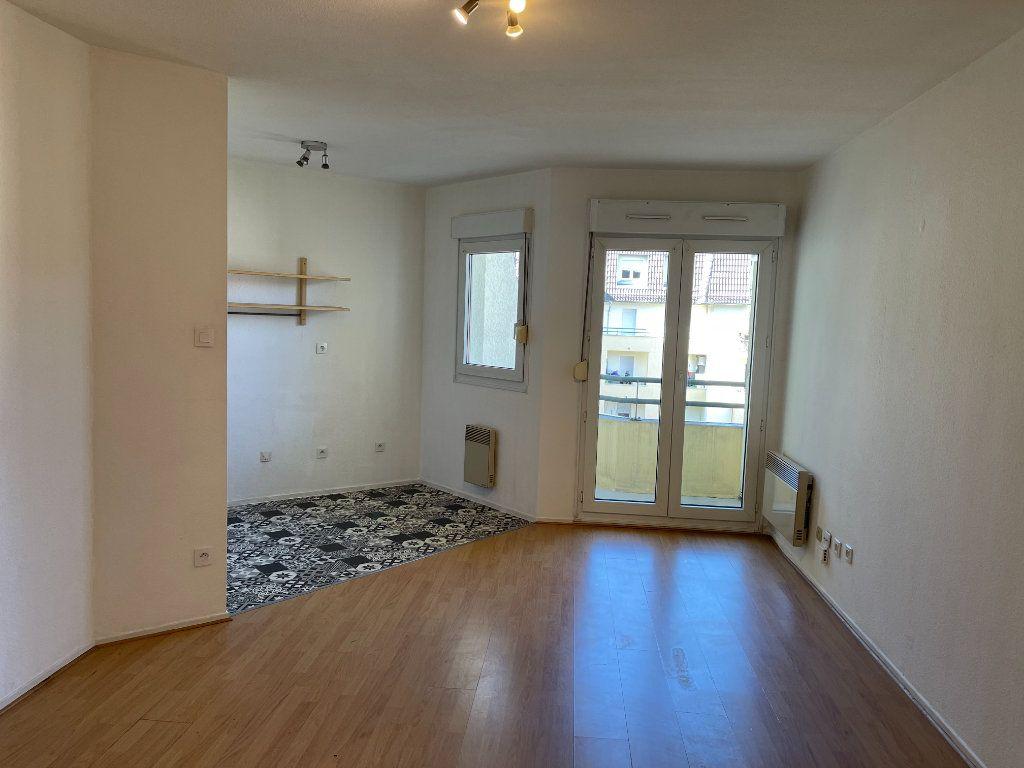 Appartement à louer 1 31.36m2 à Strasbourg vignette-2