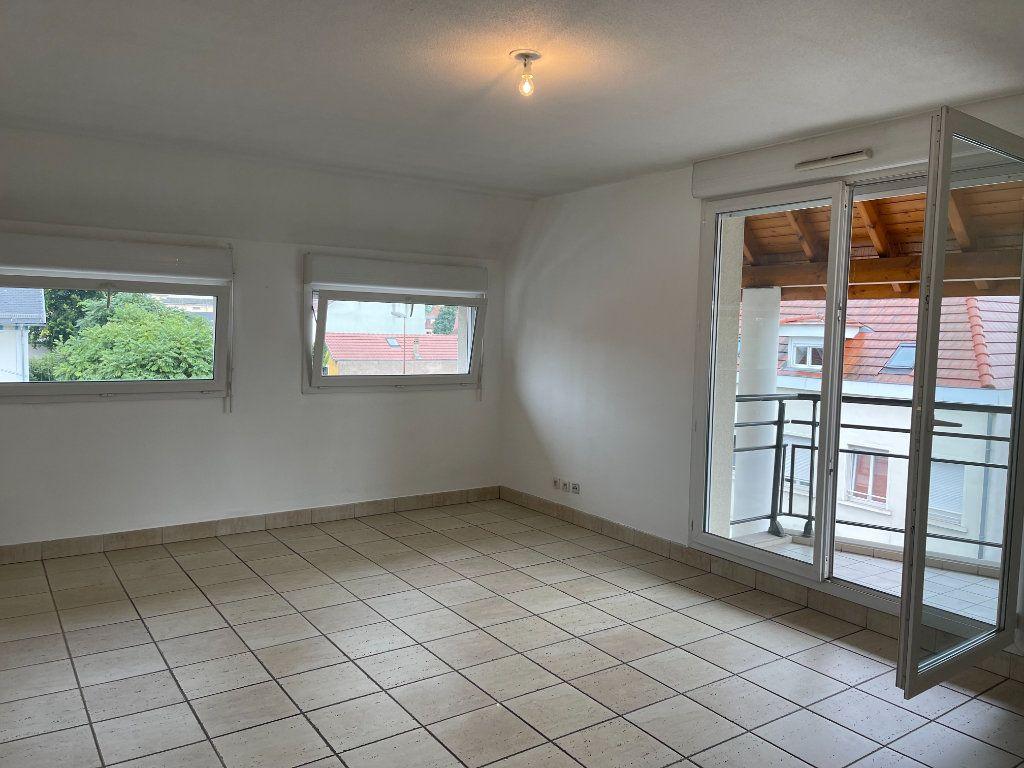 Appartement à louer 4 84m2 à Schiltigheim vignette-1