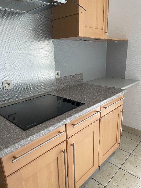 Appartement à louer 4 84m2 à Schiltigheim vignette-4