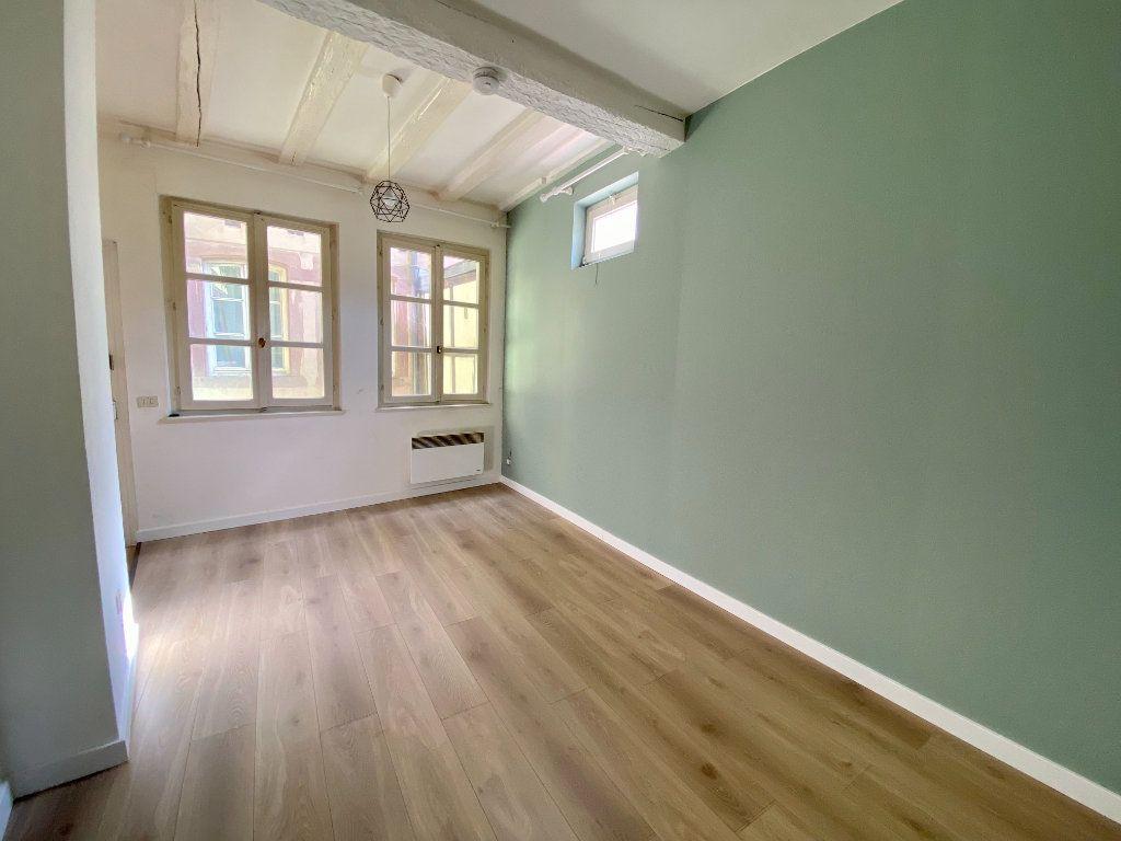 Appartement à louer 1 21m2 à Strasbourg vignette-2