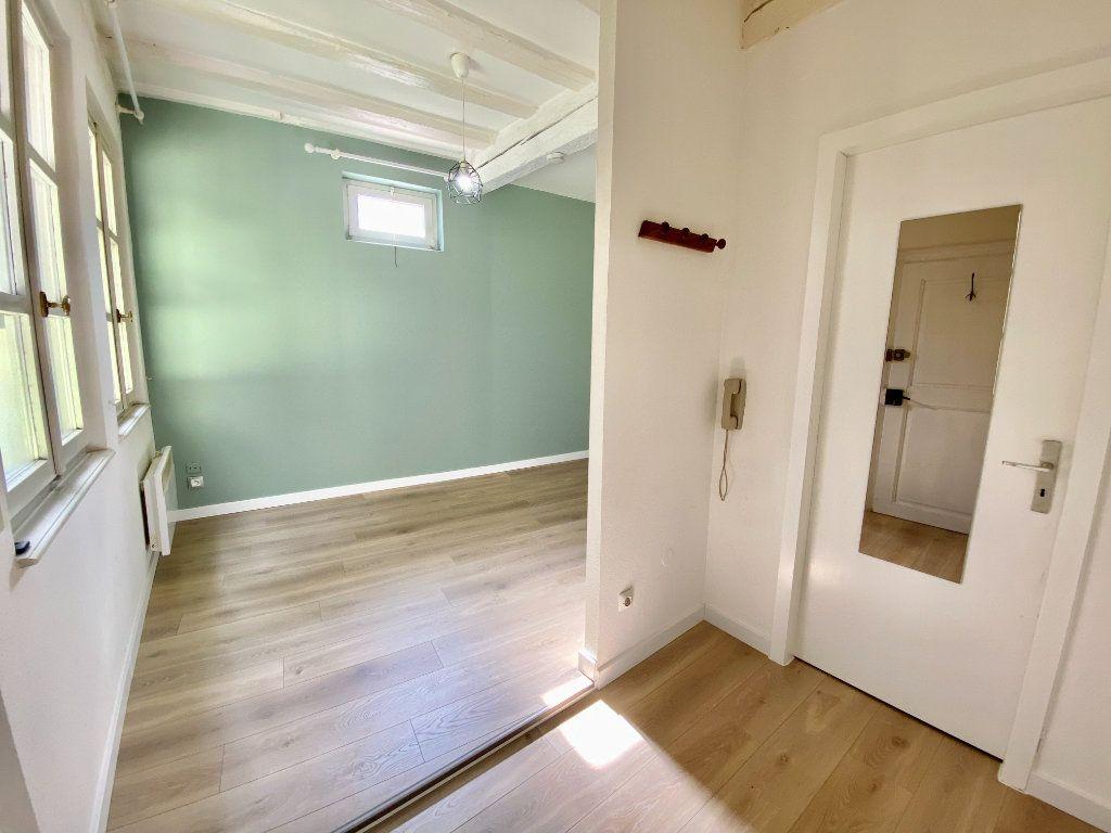 Appartement à louer 1 21m2 à Strasbourg vignette-4