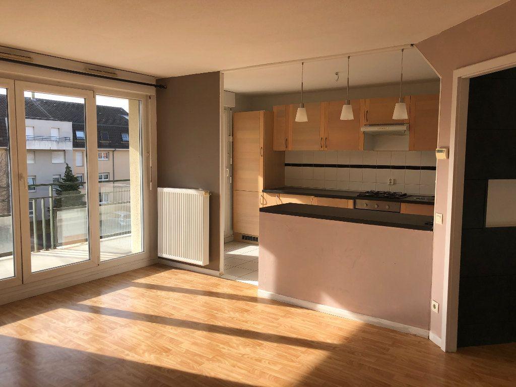 Appartement à louer 4 74.26m2 à Illkirch-Graffenstaden vignette-1