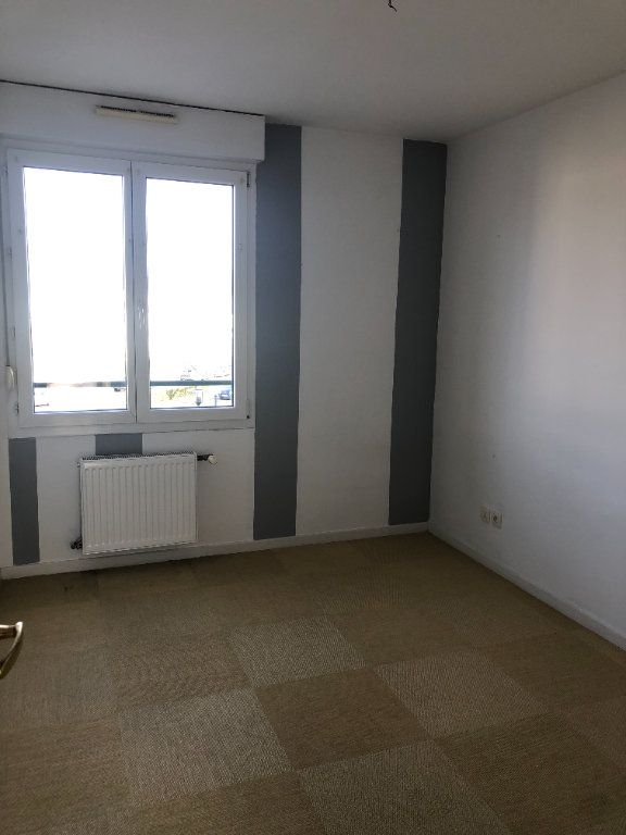 Appartement à louer 4 74.26m2 à Illkirch-Graffenstaden vignette-8