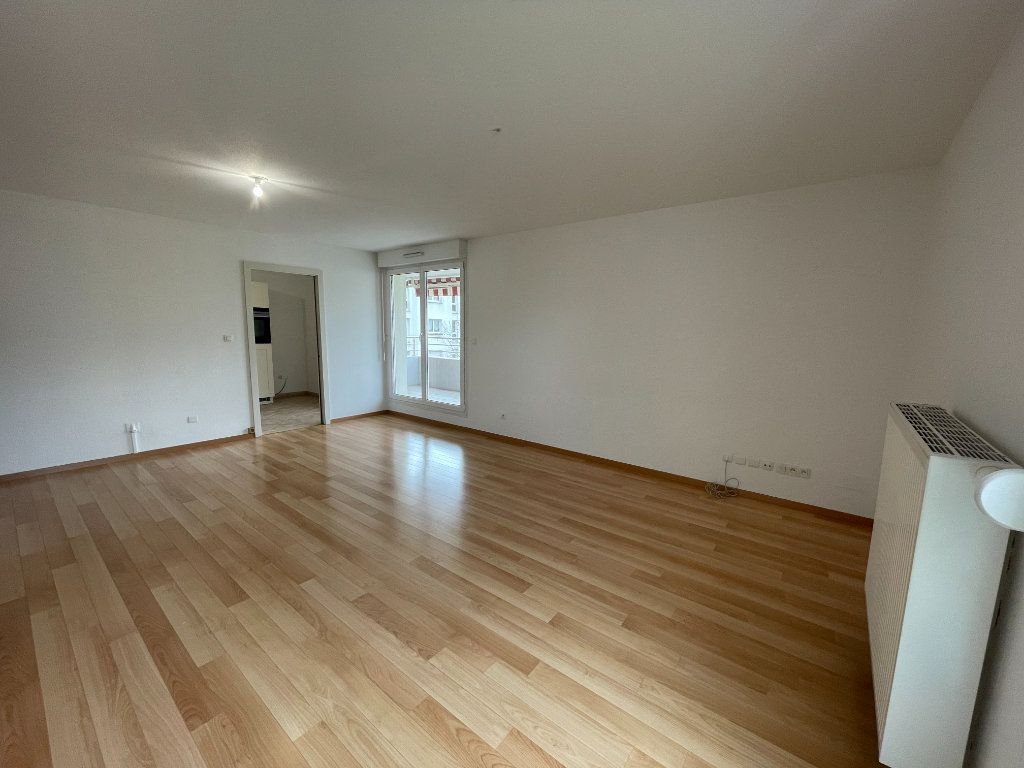 Appartement à louer 4 84m2 à Illkirch-Graffenstaden vignette-5