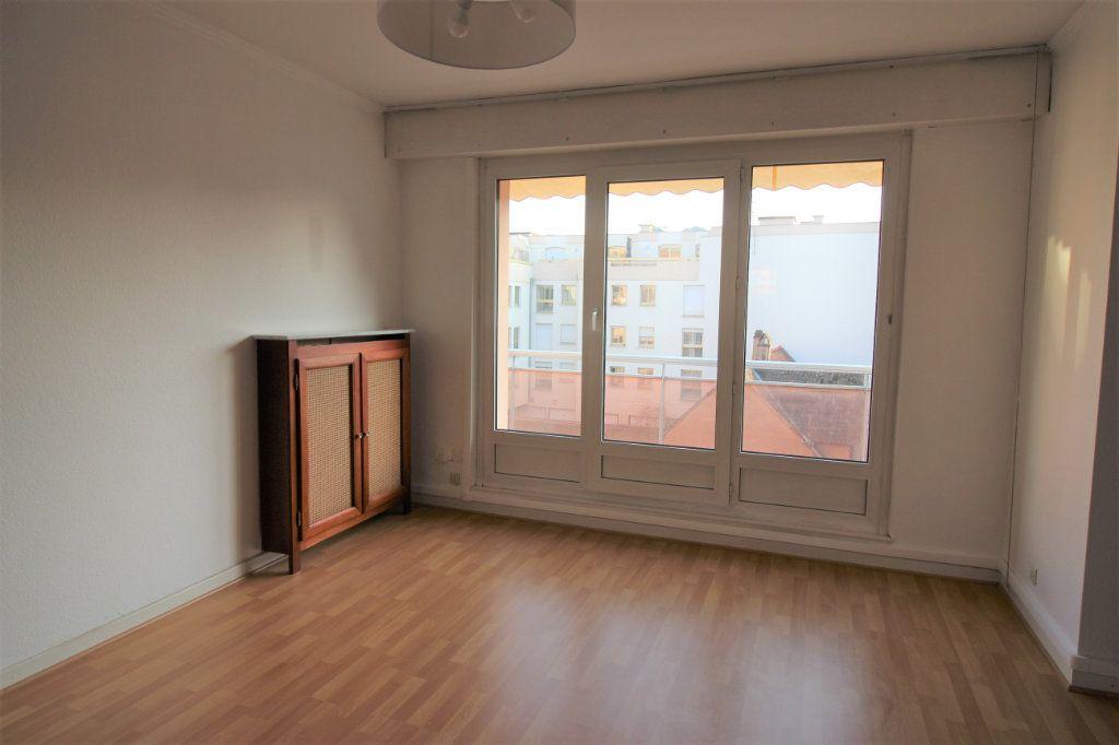 Appartement à louer 3 70.95m2 à Strasbourg vignette-1