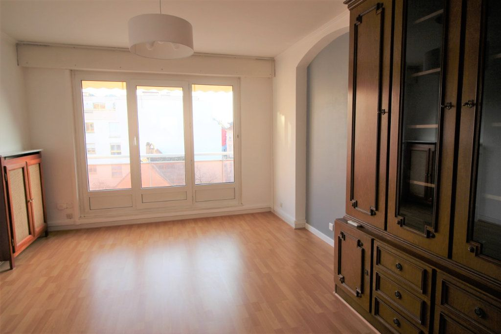Appartement à louer 3 70.95m2 à Strasbourg vignette-2