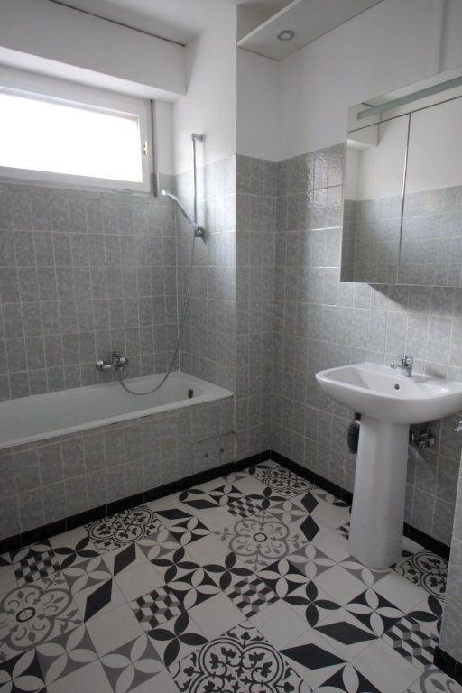Appartement à louer 3 70.95m2 à Strasbourg vignette-7
