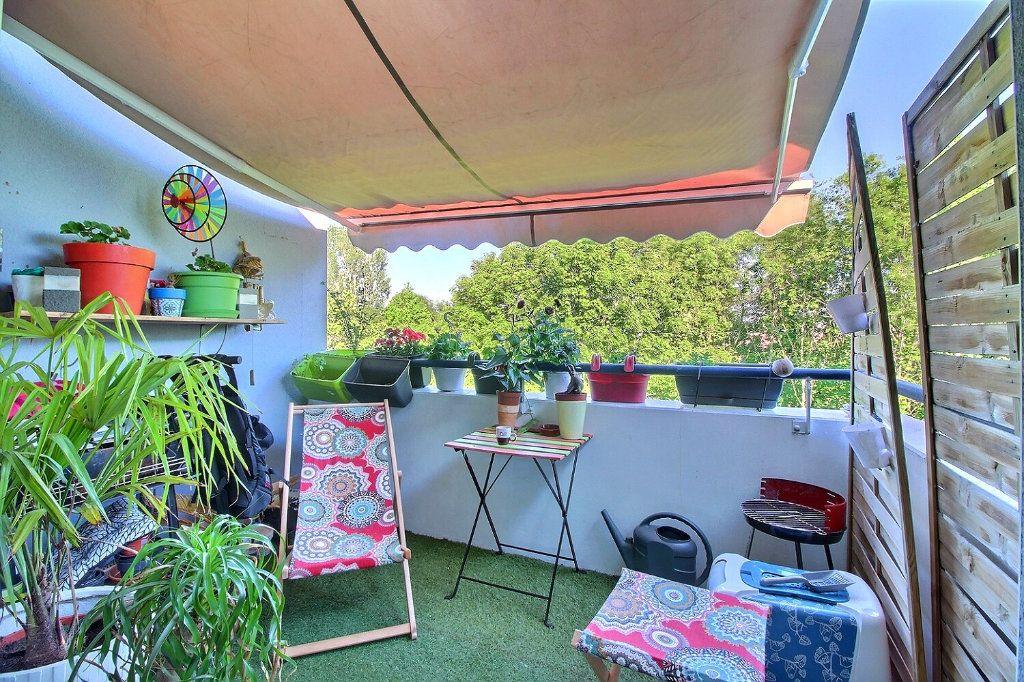 Appartement à vendre 4 84.42m2 à Strasbourg vignette-2