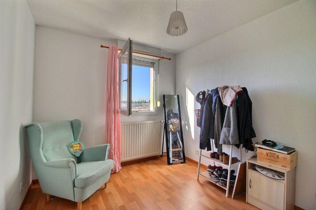 Appartement à vendre 4 84.42m2 à Strasbourg vignette-6