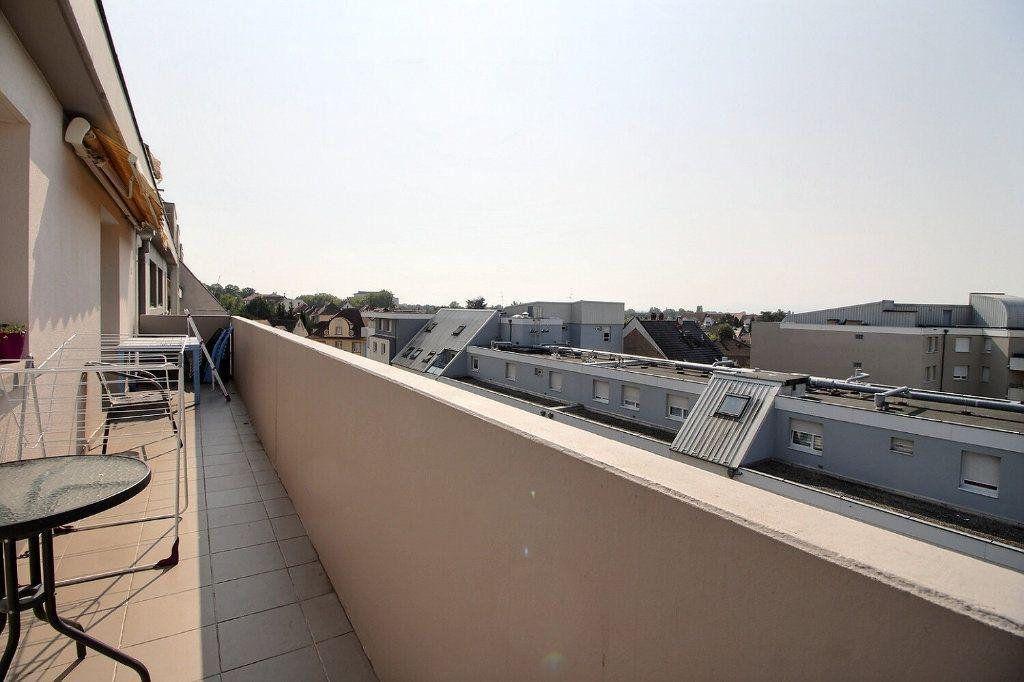 Appartement à louer 4 69.78m2 à Strasbourg vignette-1