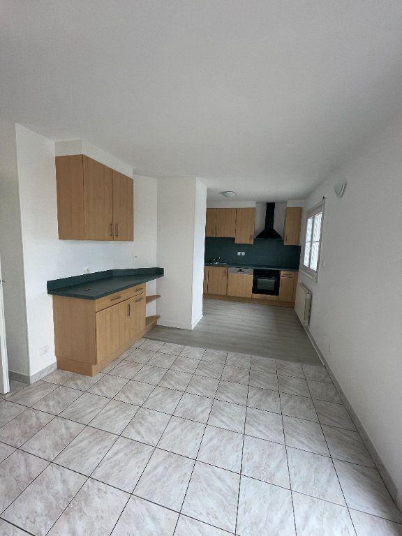 Appartement à louer 4 69.78m2 à Strasbourg vignette-4