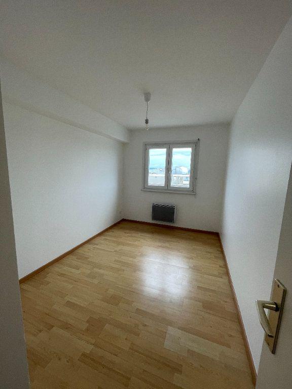 Appartement à louer 4 69.78m2 à Strasbourg vignette-5