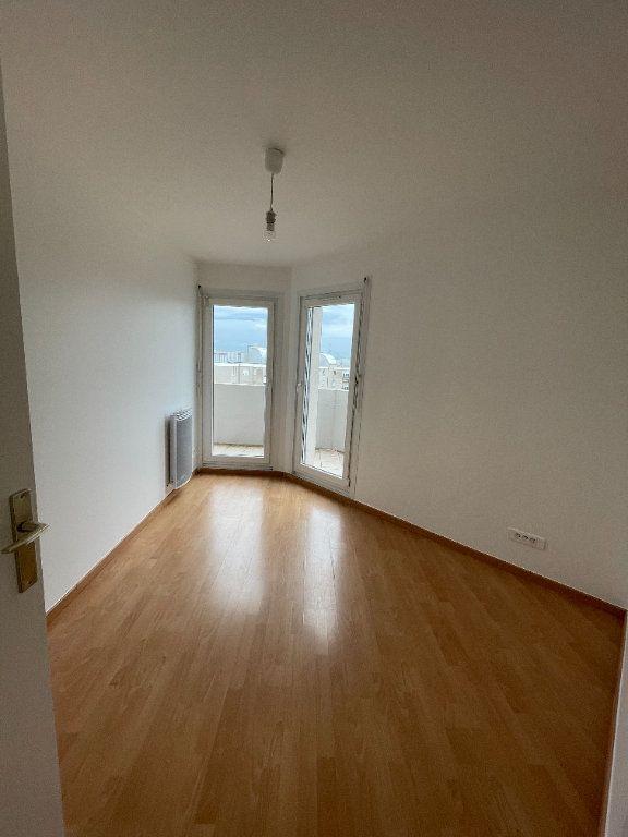 Appartement à louer 4 69.78m2 à Strasbourg vignette-6