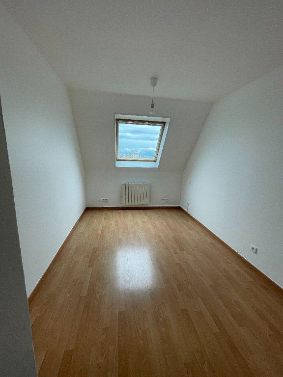 Appartement à louer 4 69.78m2 à Strasbourg vignette-7