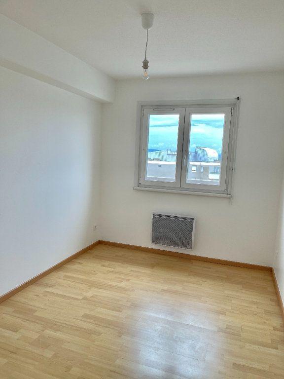 Appartement à louer 4 69.78m2 à Strasbourg vignette-12