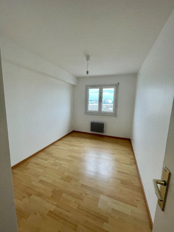 Appartement à louer 4 69.78m2 à Strasbourg vignette-13