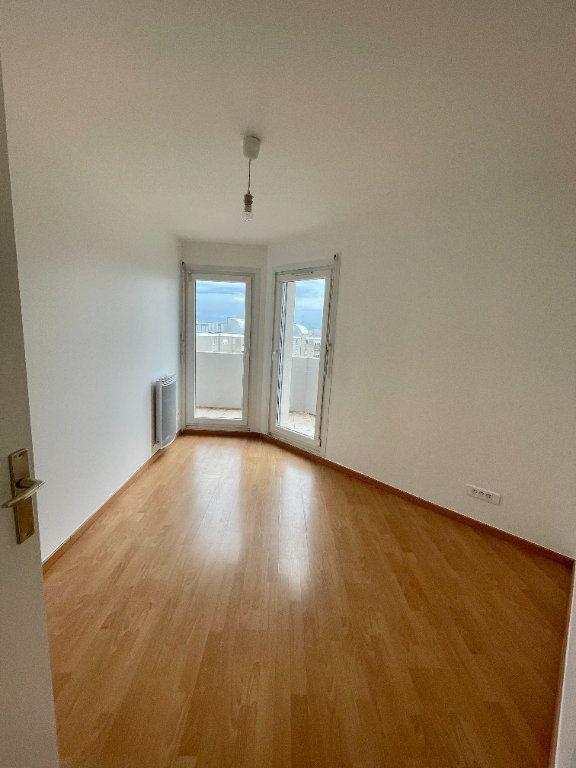 Appartement à louer 4 69.78m2 à Strasbourg vignette-14