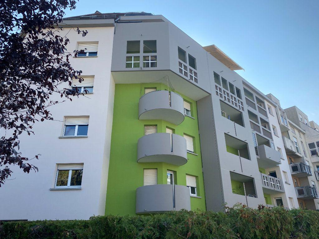 Appartement à louer 4 69.78m2 à Strasbourg vignette-15