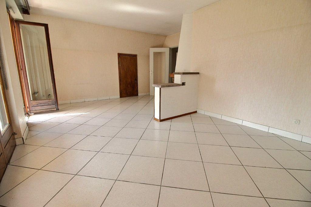 Appartement à vendre 4 92m2 à Strasbourg vignette-5