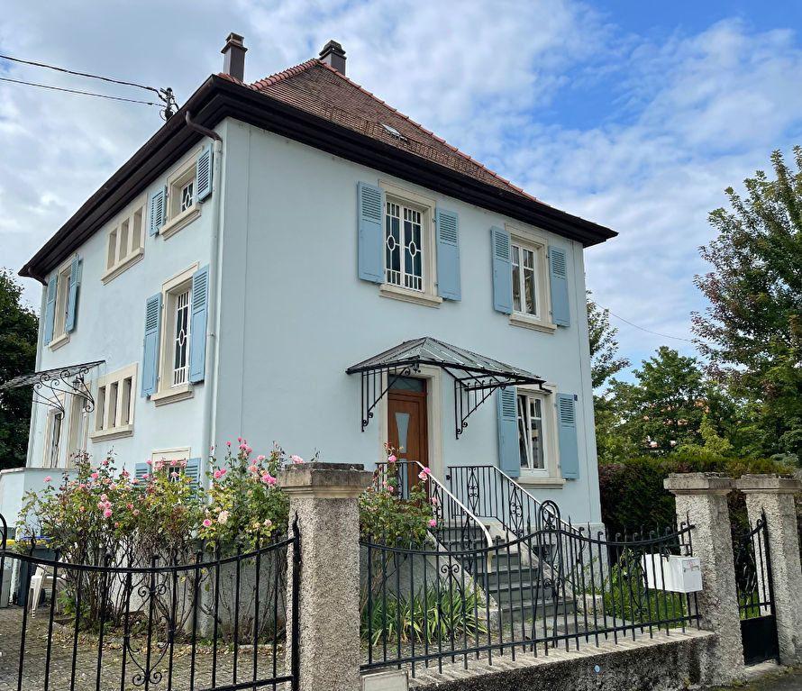 Maison à louer 5 144.15m2 à Illkirch-Graffenstaden vignette-1