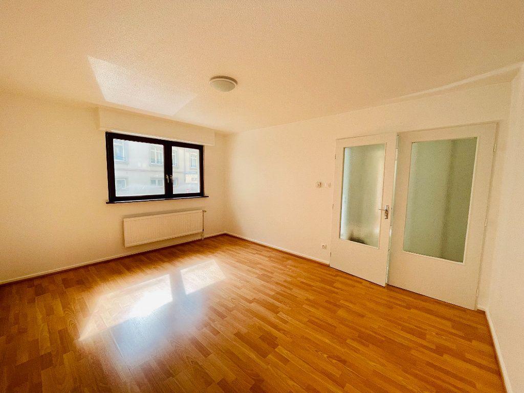 Appartement à louer 2 42m2 à Strasbourg vignette-1