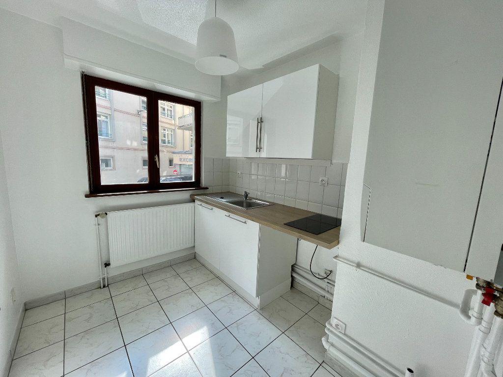 Appartement à louer 2 42m2 à Strasbourg vignette-2