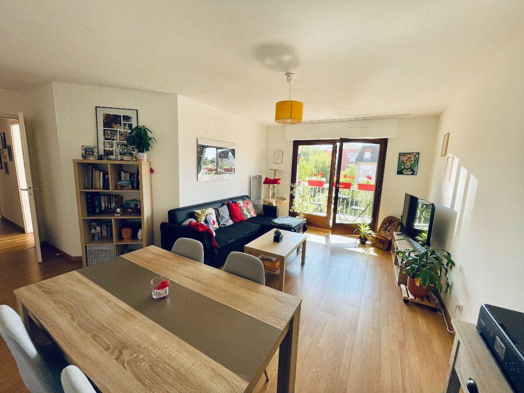Appartement à louer 3 62.14m2 à Illkirch-Graffenstaden vignette-1