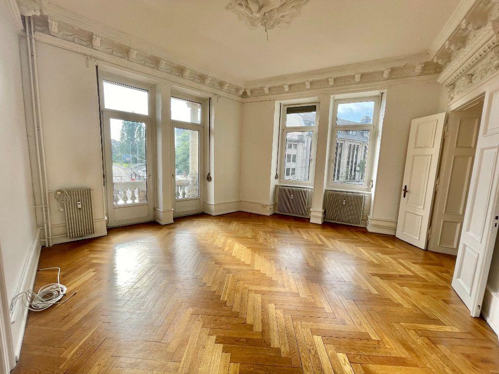 Appartement à louer 4 115m2 à Strasbourg vignette-1