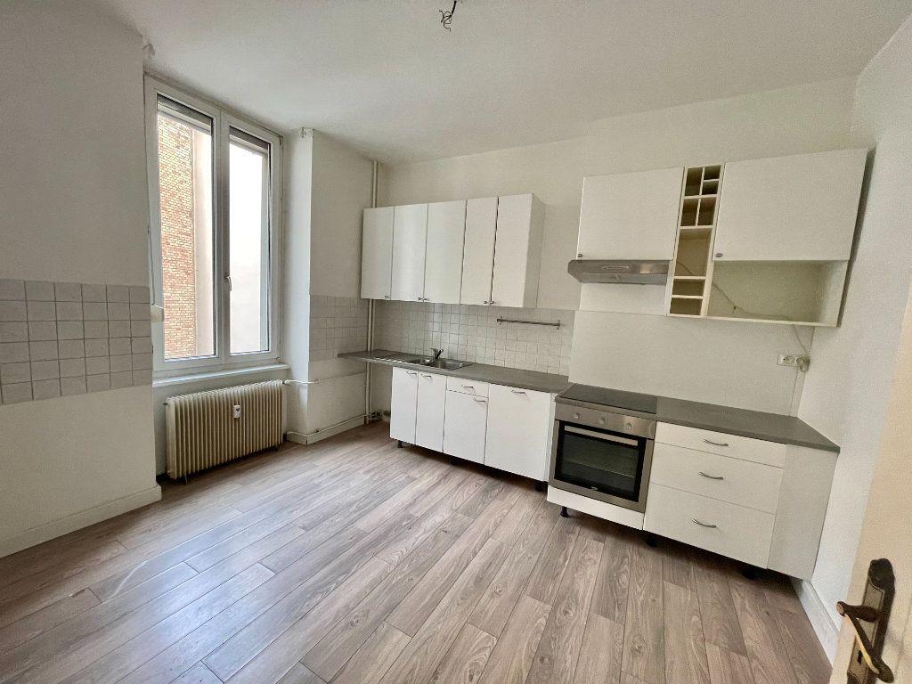 Appartement à louer 4 115m2 à Strasbourg vignette-4