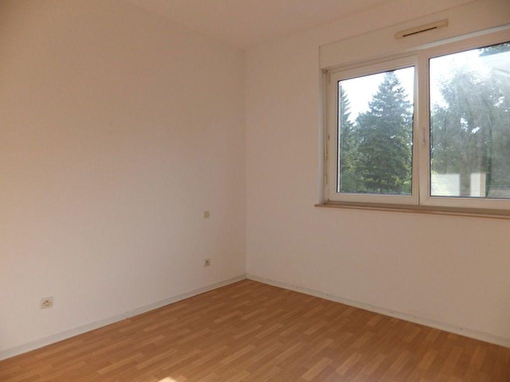 Appartement à louer 3 73m2 à Uberach vignette-3