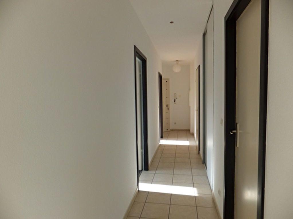 Appartement à louer 3 73m2 à Uberach vignette-6