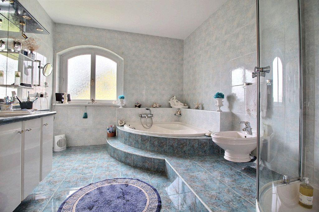 Maison à vendre 7 205.99m2 à Drusenheim vignette-6