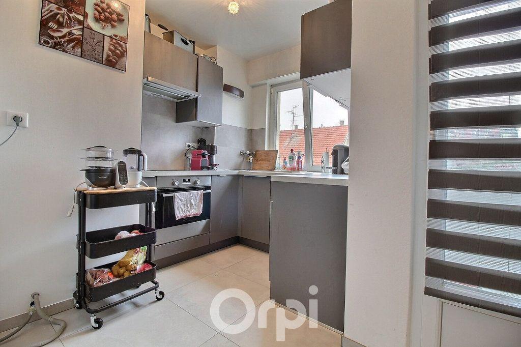 Appartement à louer 4 75.19m2 à Haguenau vignette-2