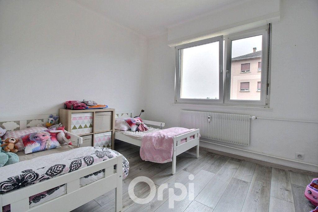 Appartement à louer 4 75.19m2 à Haguenau vignette-3
