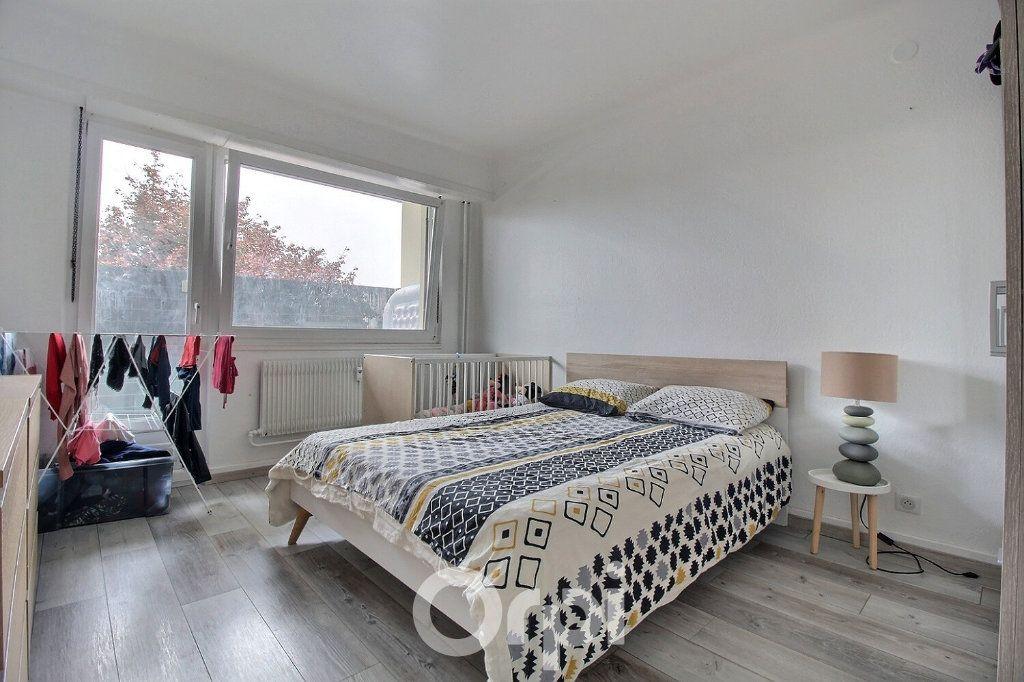 Appartement à louer 4 75.19m2 à Haguenau vignette-4