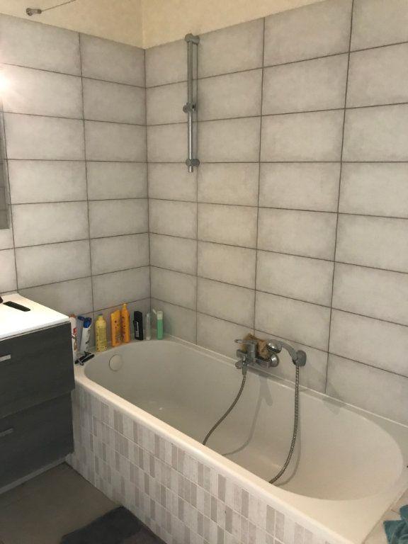 Appartement à louer 3 63.49m2 à Haguenau vignette-4
