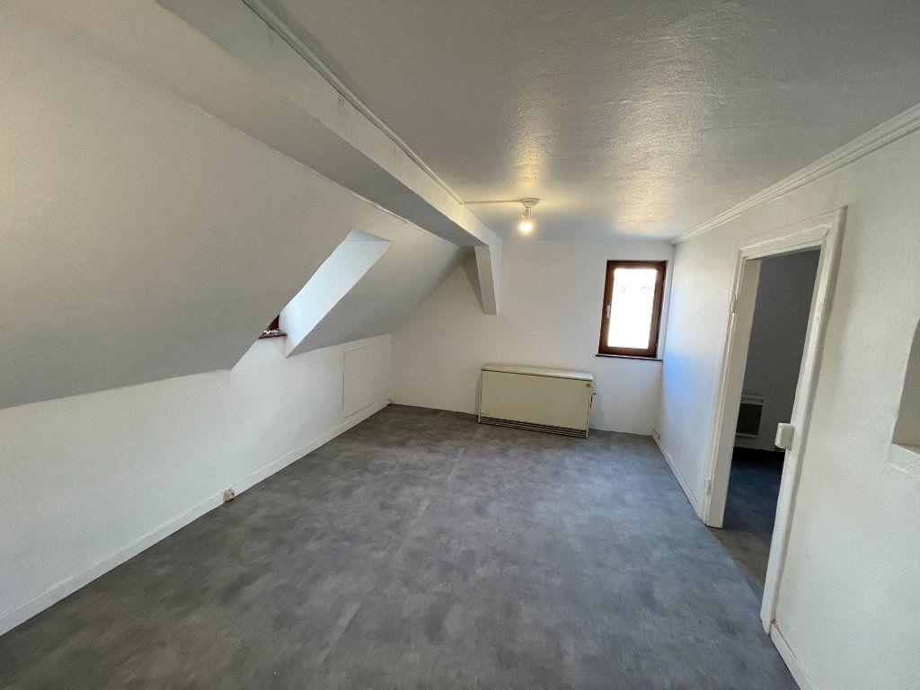 Appartement à louer 3 42.6m2 à Strasbourg vignette-1