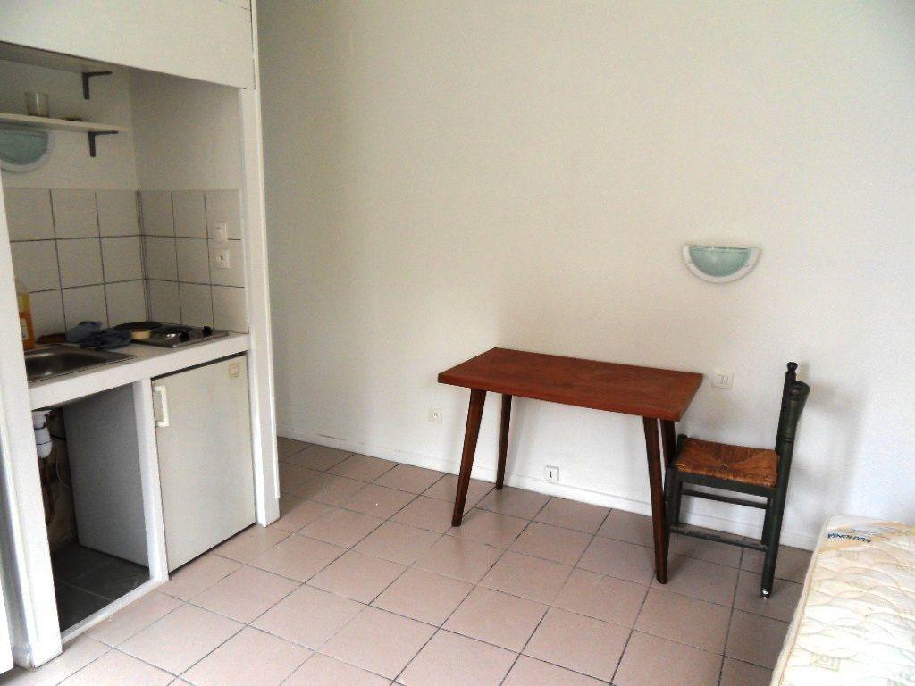Appartement à louer 1 18.45m2 à Strasbourg vignette-2