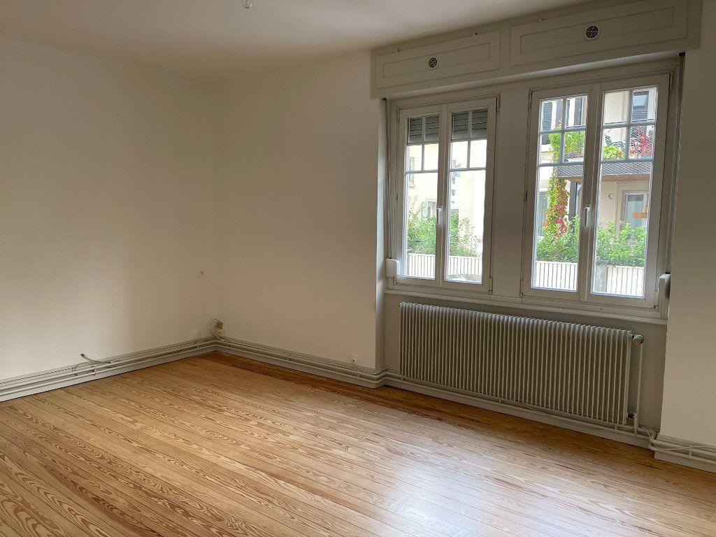 Appartement à louer 3 73.47m2 à Strasbourg vignette-5