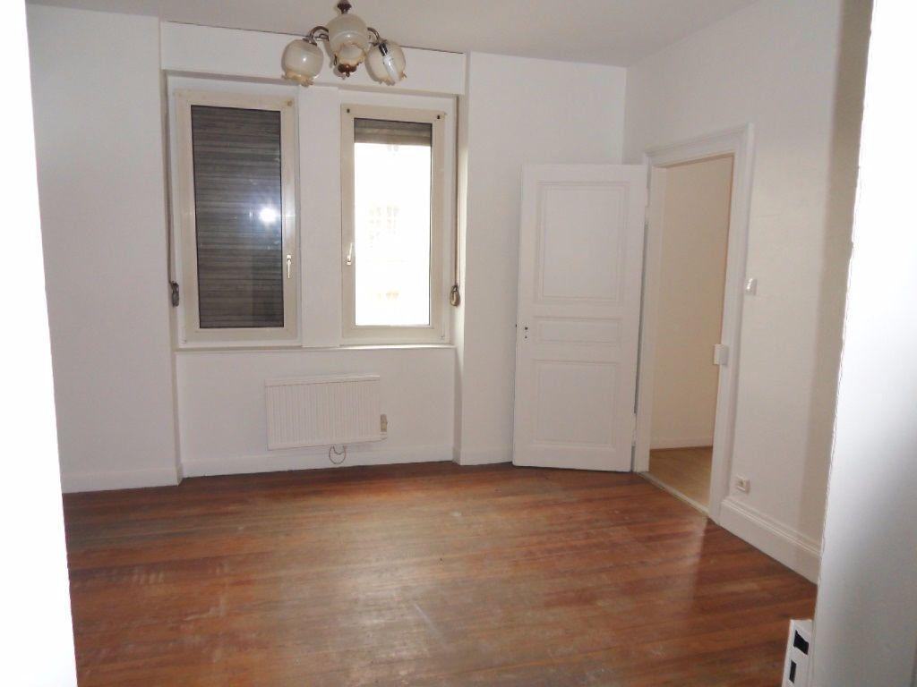 Appartement à louer 3 70.16m2 à Strasbourg vignette-2