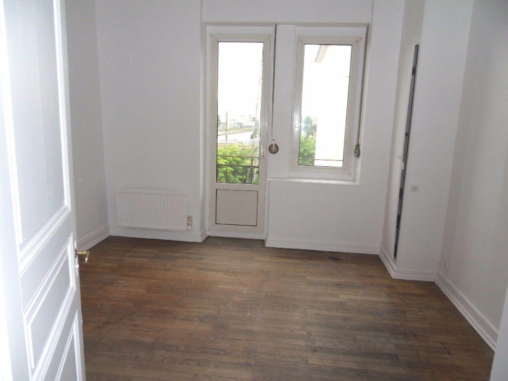 Appartement à louer 3 70.16m2 à Strasbourg vignette-5