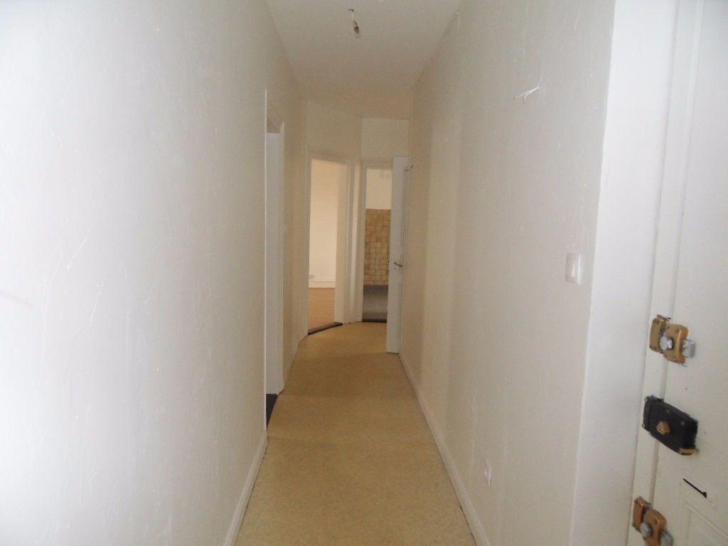 Appartement à louer 3 70.16m2 à Strasbourg vignette-6