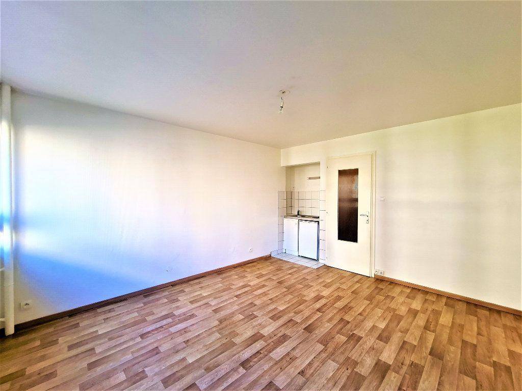 Appartement à louer 1 25m2 à Strasbourg vignette-3