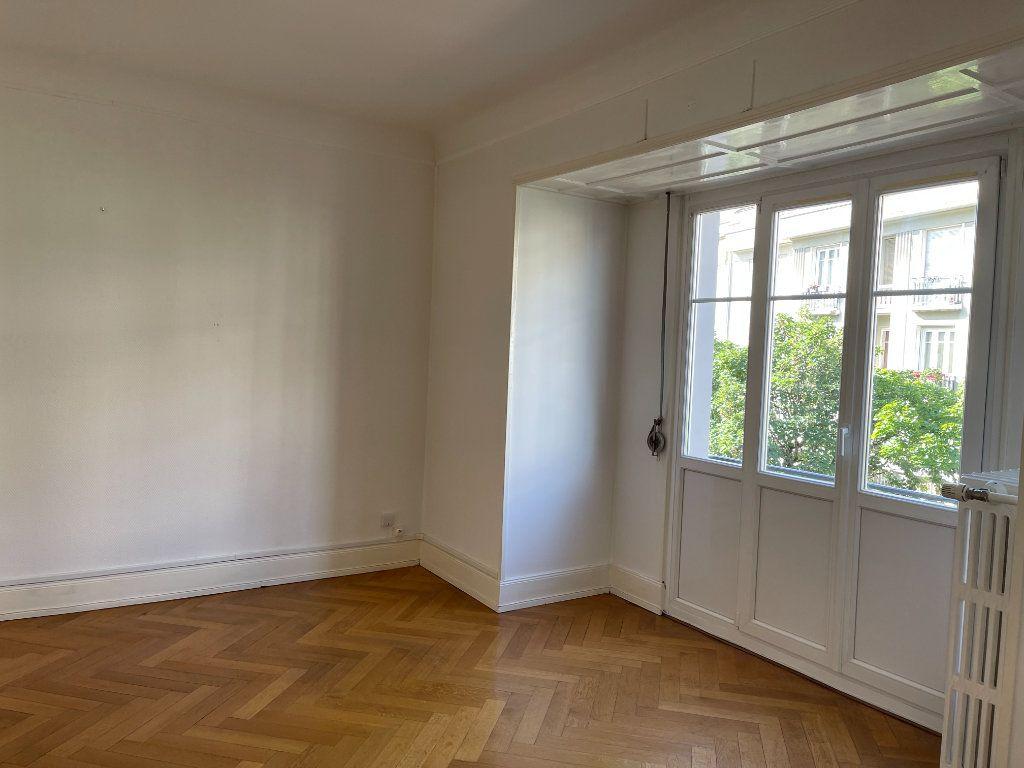 Appartement à louer 3 76.39m2 à Strasbourg vignette-5