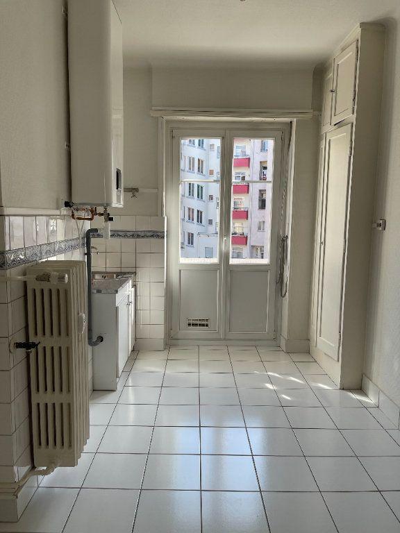 Appartement à louer 3 76.39m2 à Strasbourg vignette-6