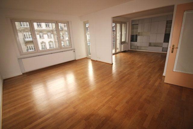 Appartement à louer 5 122.4m2 à Strasbourg vignette-2