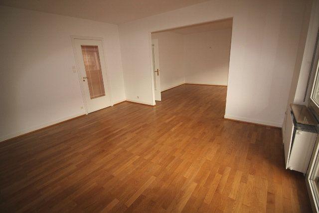 Appartement à louer 5 122.4m2 à Strasbourg vignette-3