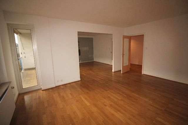 Appartement à louer 5 122.4m2 à Strasbourg vignette-4