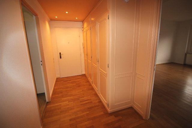 Appartement à louer 5 122.4m2 à Strasbourg vignette-6